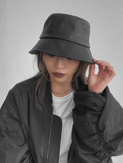 【NEW】Eco leather bucket hat