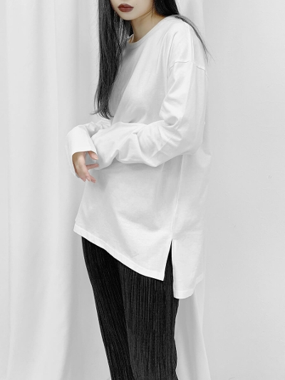 Slit long T-shirt
